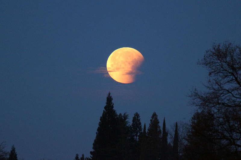 Super Moon at 7AM