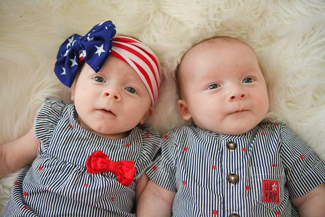 The Twins' 3rd Month!