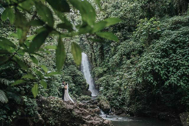 Lauren & Mikhail, La Paz Waterfall Gardens Wedding, Costa Rica