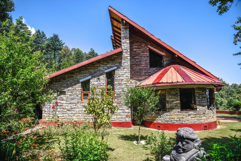 the stone house, ramashish, kausani