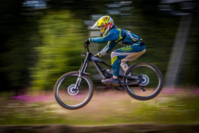 Pyöräily: maantie, MTB, DH