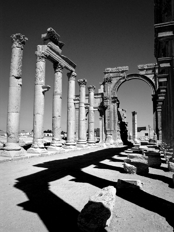 Roman ruins. High Street. Palmyra.