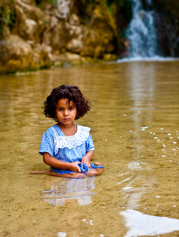 Oasis angel at the waterfalls of Tamerza.