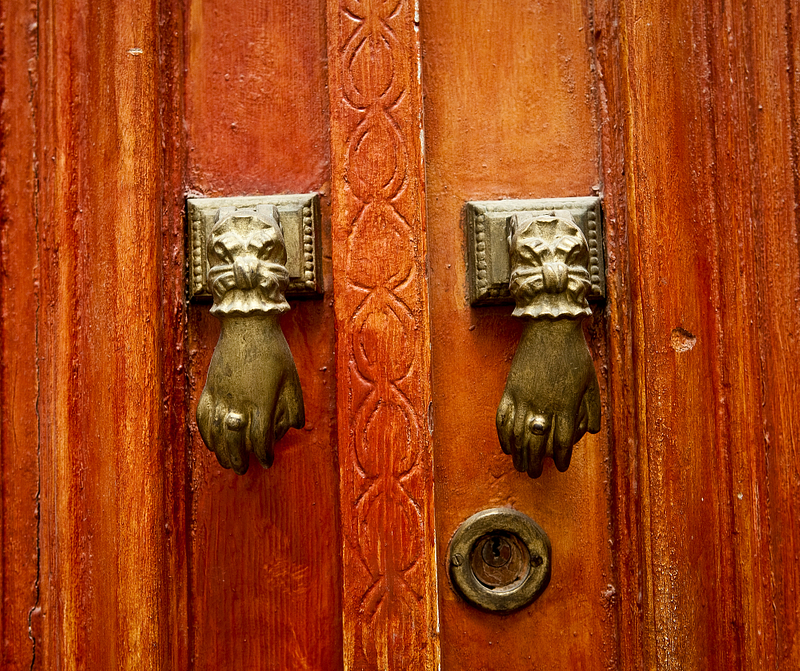 Door knockers. Tunis.