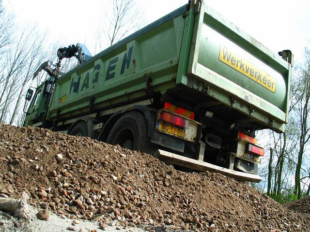 Het Domijn 2005 parkeerplek werkzaamheden granulaat