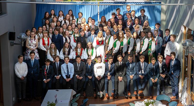 17. mai-frokost for 10. klasse Flora ungdomsskule
