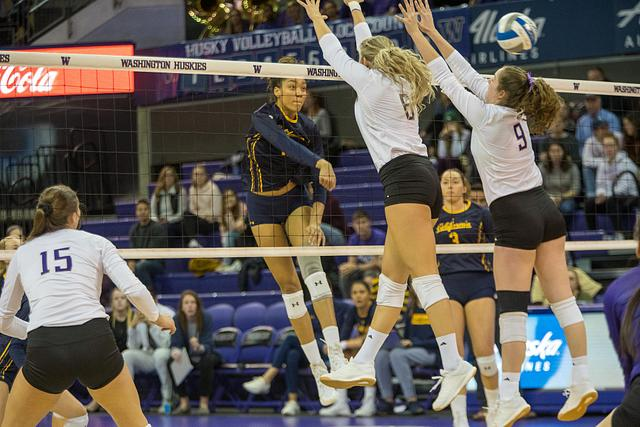 CAL W Volleyball @ UW