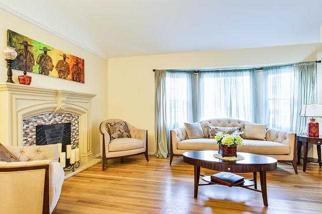 Local Real Estate Photographer - NJ - Living Room in Fords home in Middlesex County NJ