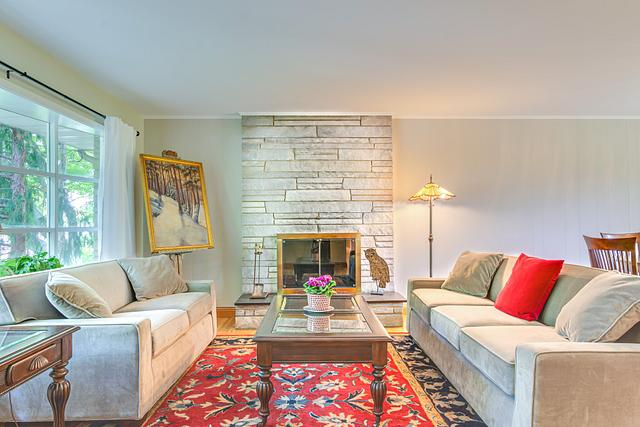 Local Real Estate Photographer - NJ - Living Room in Edison Home in NJ