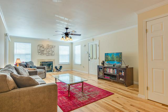 Local Real Estate Photographer - NJ - Living Room in Piscataway home in NJ