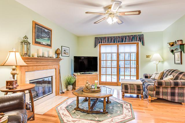 Local Real Estate Photographer - NJ - Living Room in Monmouth Junction house in Middlesex County