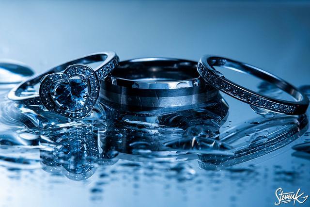 Accessories, rings, table dressings, venues