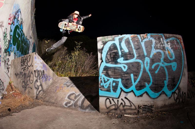 Chris Jatoft - Boneless- California