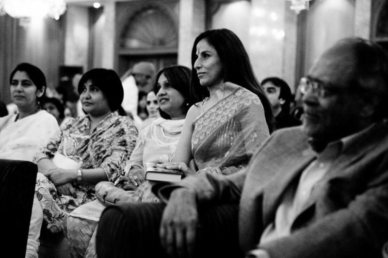 Shobha De, Writer