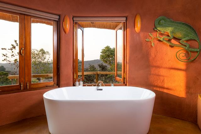 Luxury Bathroom With a View — Leshiba Wilderness Reserve