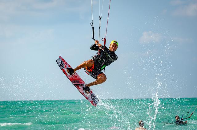 Dubai Kite Surfing