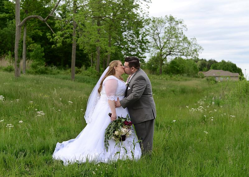Jessica & Scott | Spring Wedding | The Vineyards at Pine Lake | Columbiana, OH | Youngstown Wedding Photographer