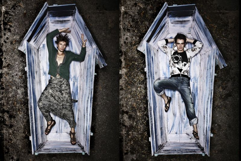 The Coffin, Maxim