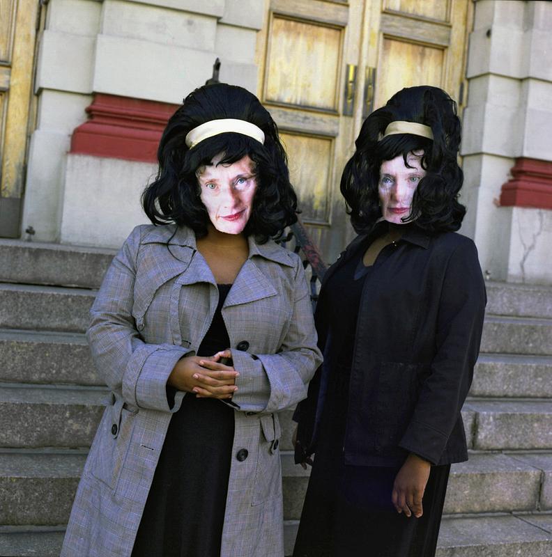 Twins & Queens (2006)