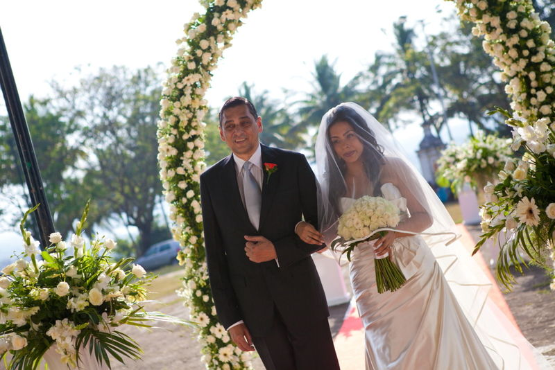'A walk to remember'- Jeanine & Kevin Church wedding In Goa