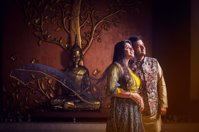 Varun and Pratiksha - A wonderful pre-wedding shoot in Jay Pee Greens Noida