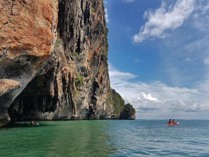 17-Jan - Kayaking around Phra Nang beach