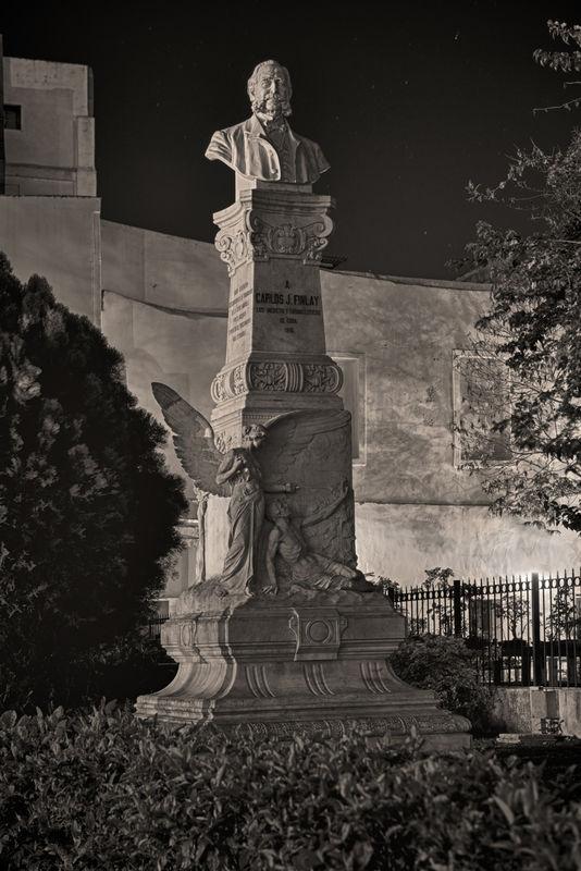 Monumentos de la Habana (Nocturnes)