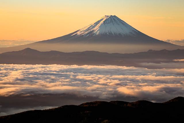 Mt Fuji / Makoto Hashimuki