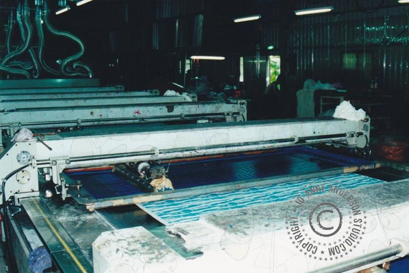 Auto screen bed, mechanical squeegee
