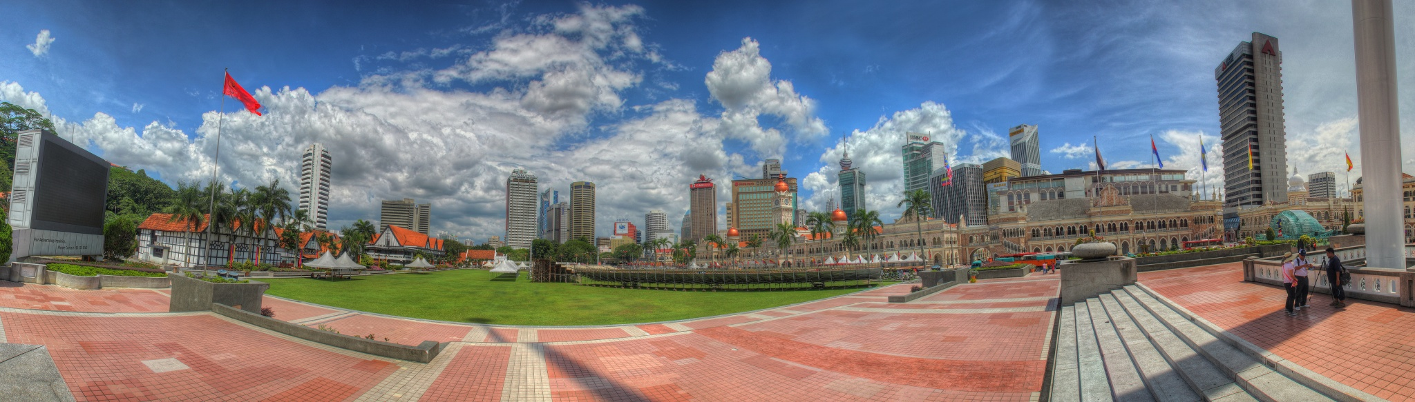 Which is better for travel & tourism - Singapore or Malaysia?