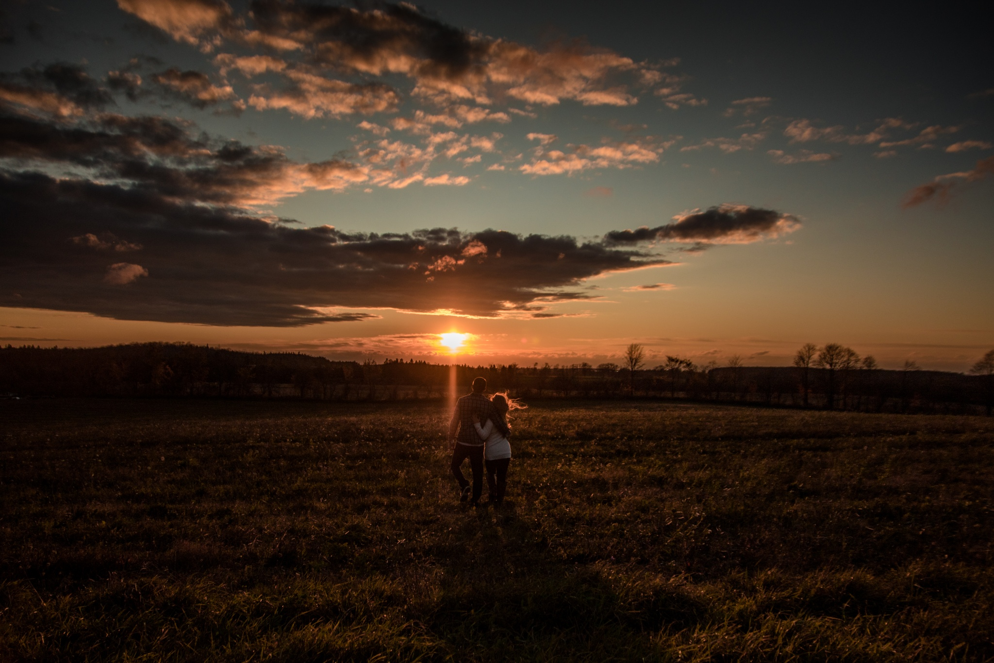 Golden Hour Engagement |  Robyn + Paul