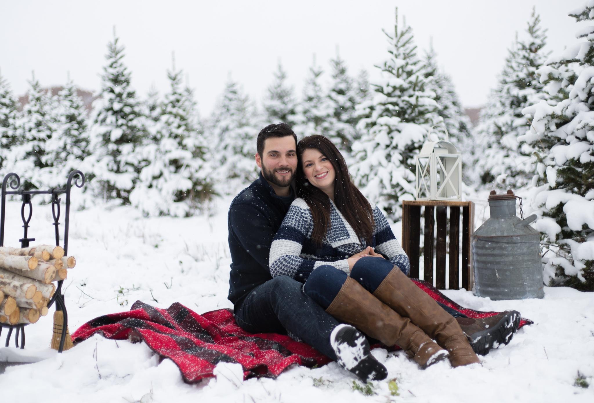 Christmas Minis | Ashley + Jordan