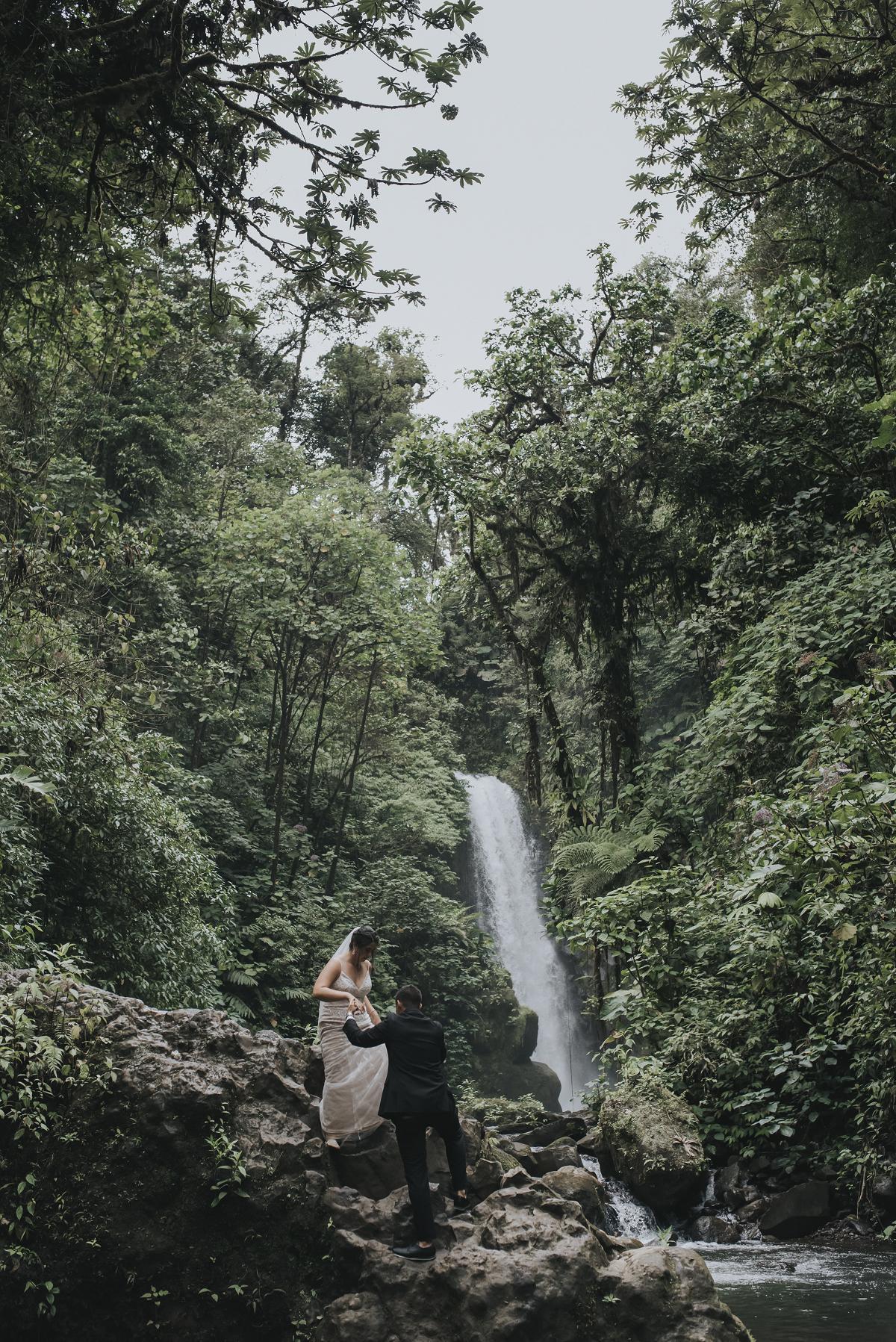 elopement wedding photographer costa rica