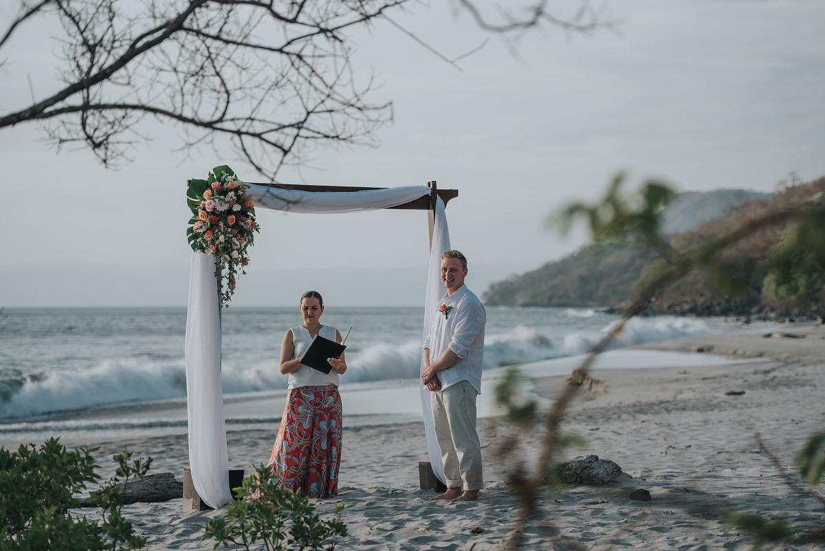 beach elopement costa rica photographer