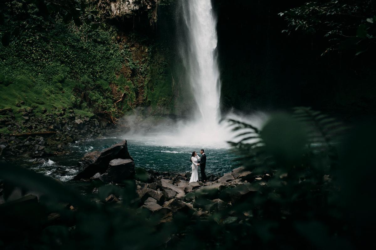 Waterfall Elopement Photographer Costa rica