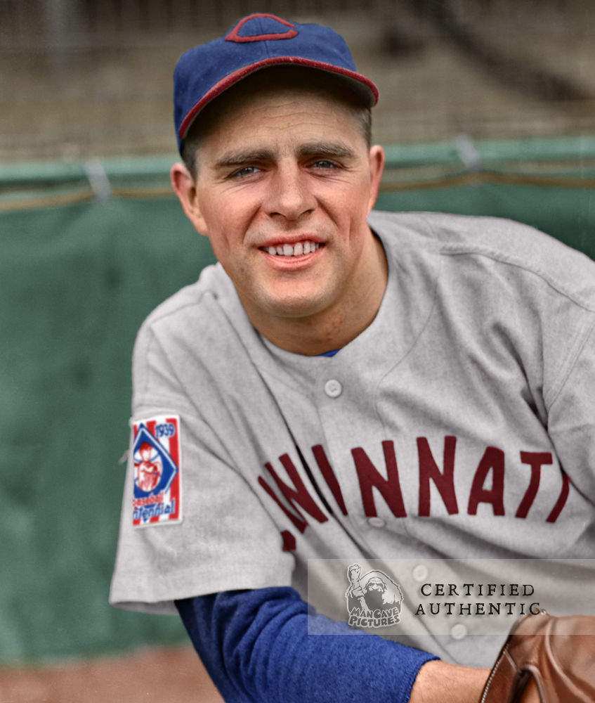 Johnny Vander Meer - Cincinnati Reds (1939) © 1939 Leslie Jones