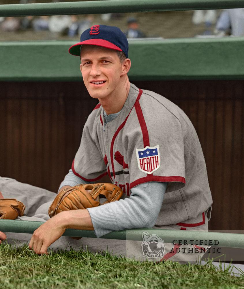 Stan Musial - Rookie, St. Louis Cardinals (1942) © 1942 Leslie Jones