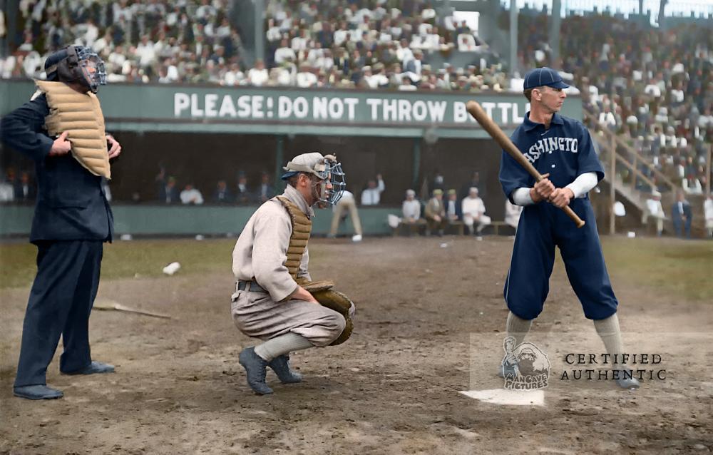 Yip Owens - Catching (Chicago White Sox) & Bob Unglaub - at bat (Washington Senators) (1909)