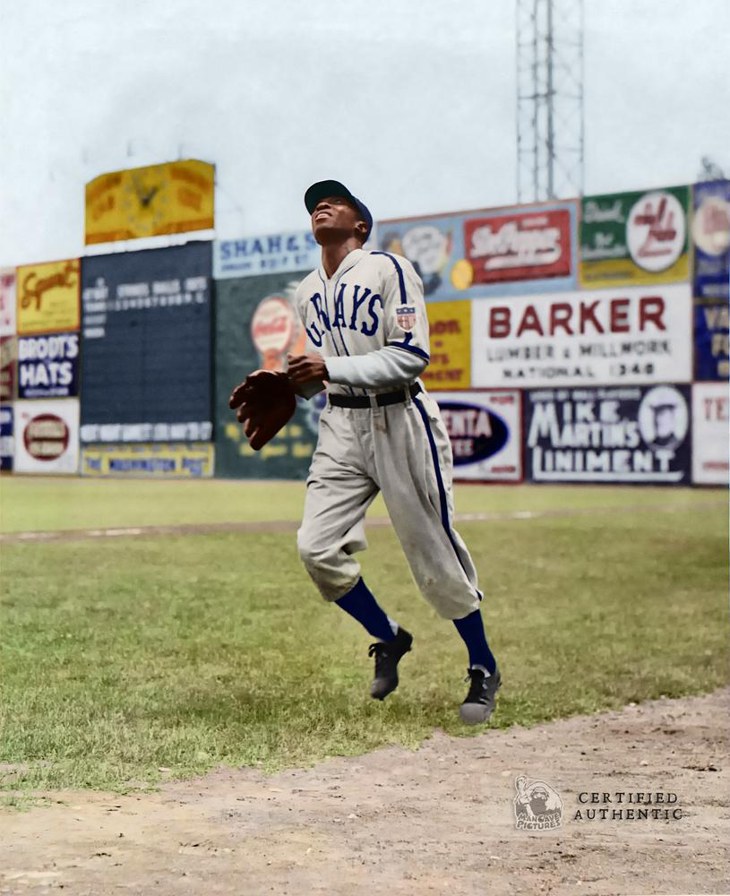 Cool Papa Bell - Homestead Grays (1943)