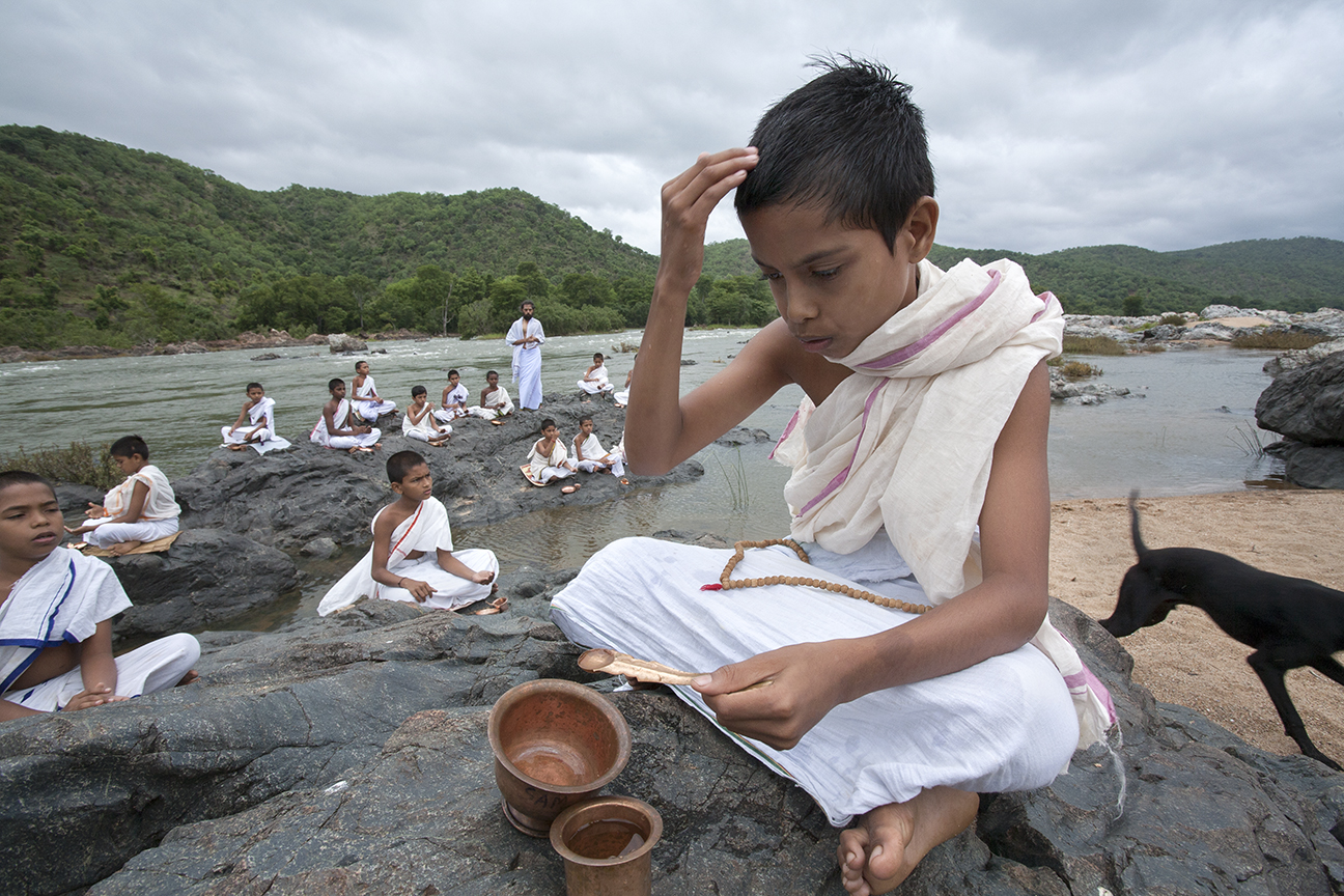 Religious rituals on the banks of river Kaveri