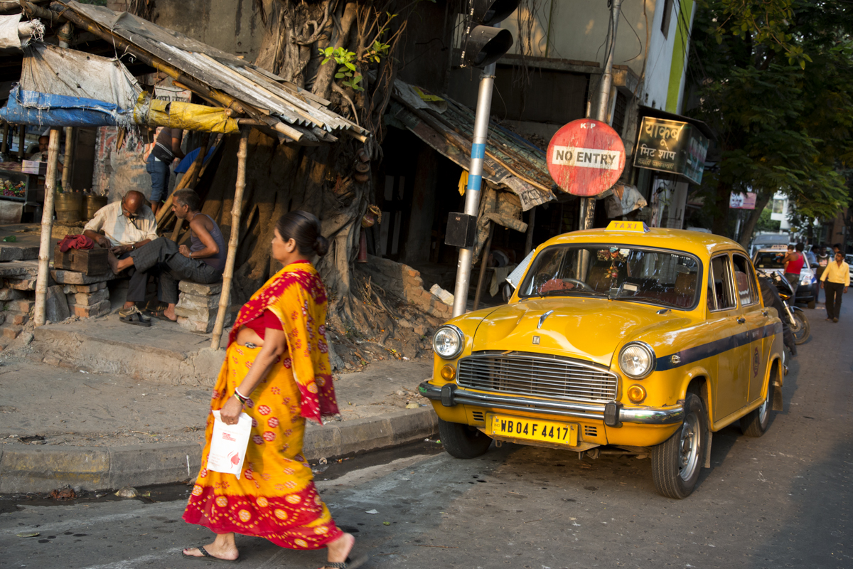 Vanishing Yellows of Kolkata