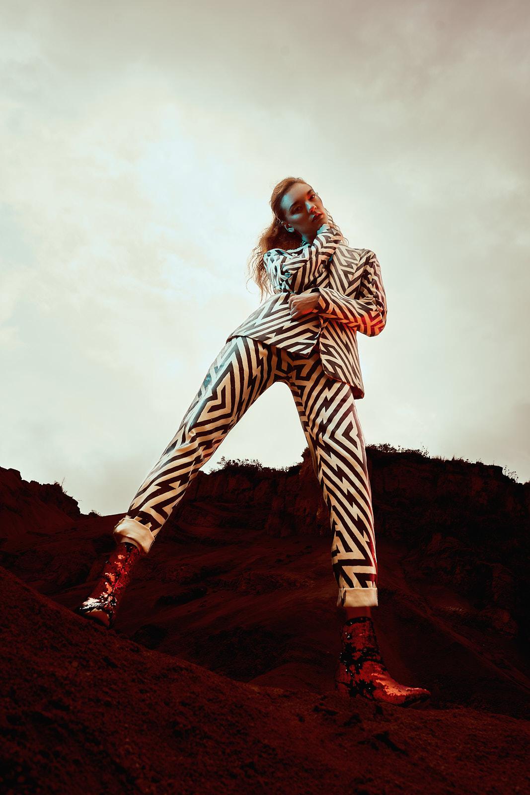 Foto editorial moda en exteriores