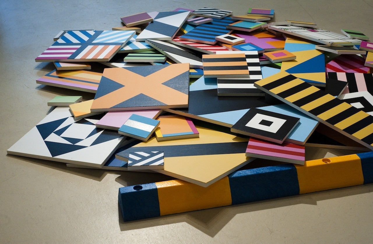 Color, geometry and the expanded field of painting