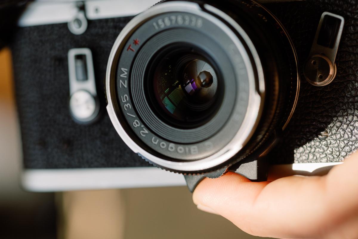 Zeiss 35mm Biogon lens