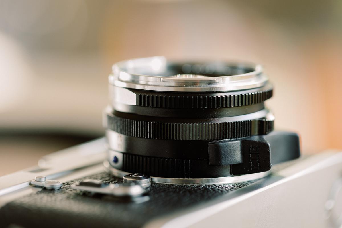 Zeiss 35mm C Biogon 2.8 close up