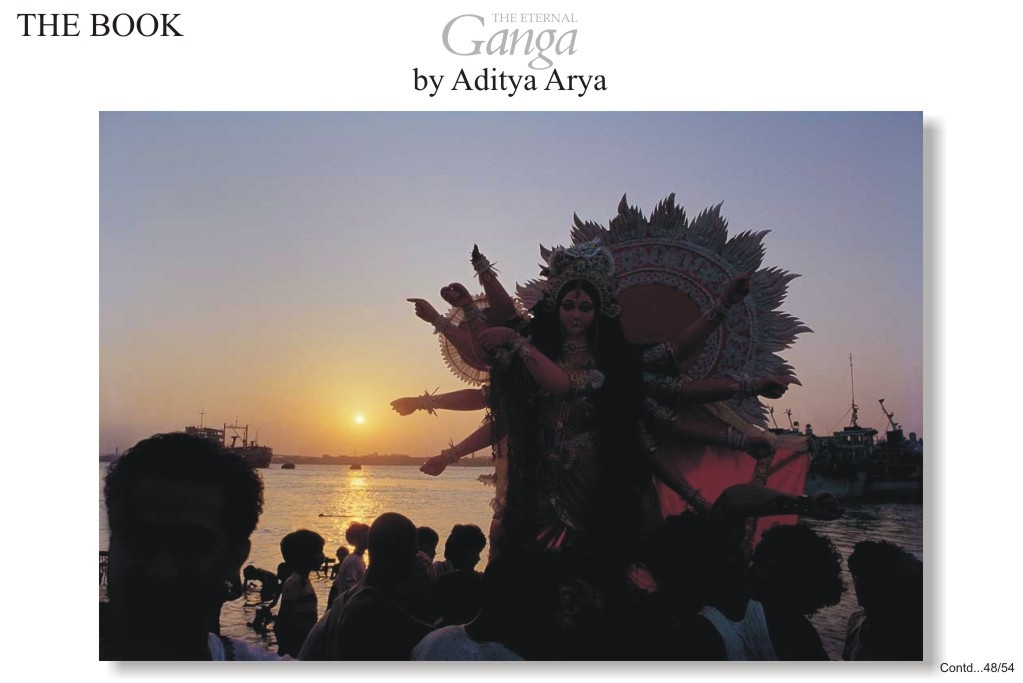 The immersion of the Godess Durga marks the end of ten days of festivities of Durga Puja in West Bengal. In many other parts of the countries the same festival is celebrated as Dussehra.