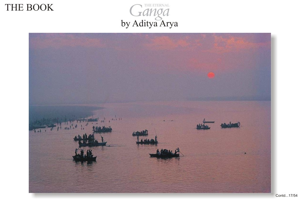 Boat ferry pilgrims to Garmuktesar where the principal bathing festival is held on the full moon day of Kartik.