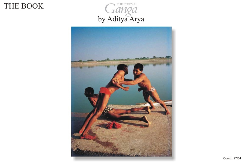 During the Nag Panchami festival held in August, special wrestling bouts are organized in the akharas of Varanasi.