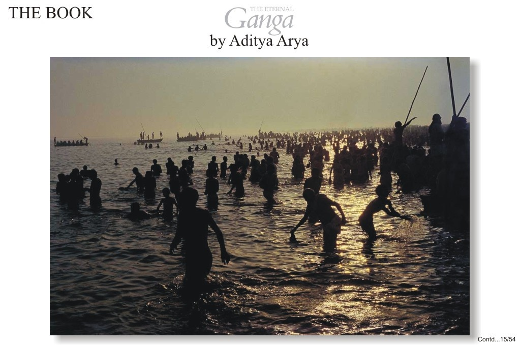 During the Kartik Purnima festival it is considerer very auspicious to bathe in the Ganga at Garhmuktesar