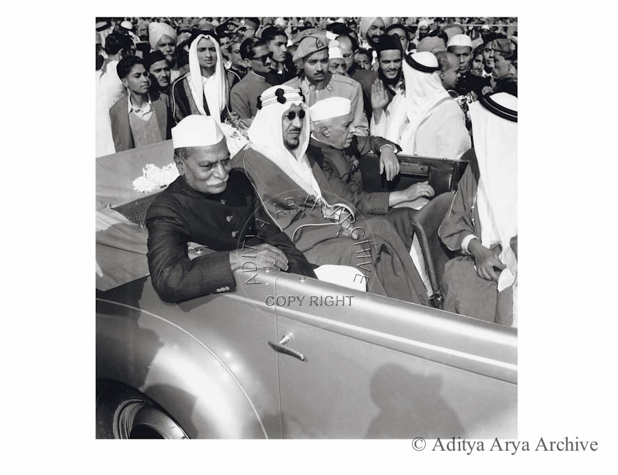 Amir Faisal Al-saud, Crown prince of Saudi Arabia being received by Rajendra Prasad and Jawaharlal Nehru.1955